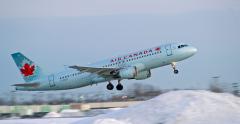 受新冠疫情影响,加拿大航空暂停了多条