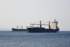 红海爆炸袭击频发, 油轮面临更高保险费