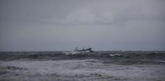 货运船只沉没5分钟,船员2人死5人失踪